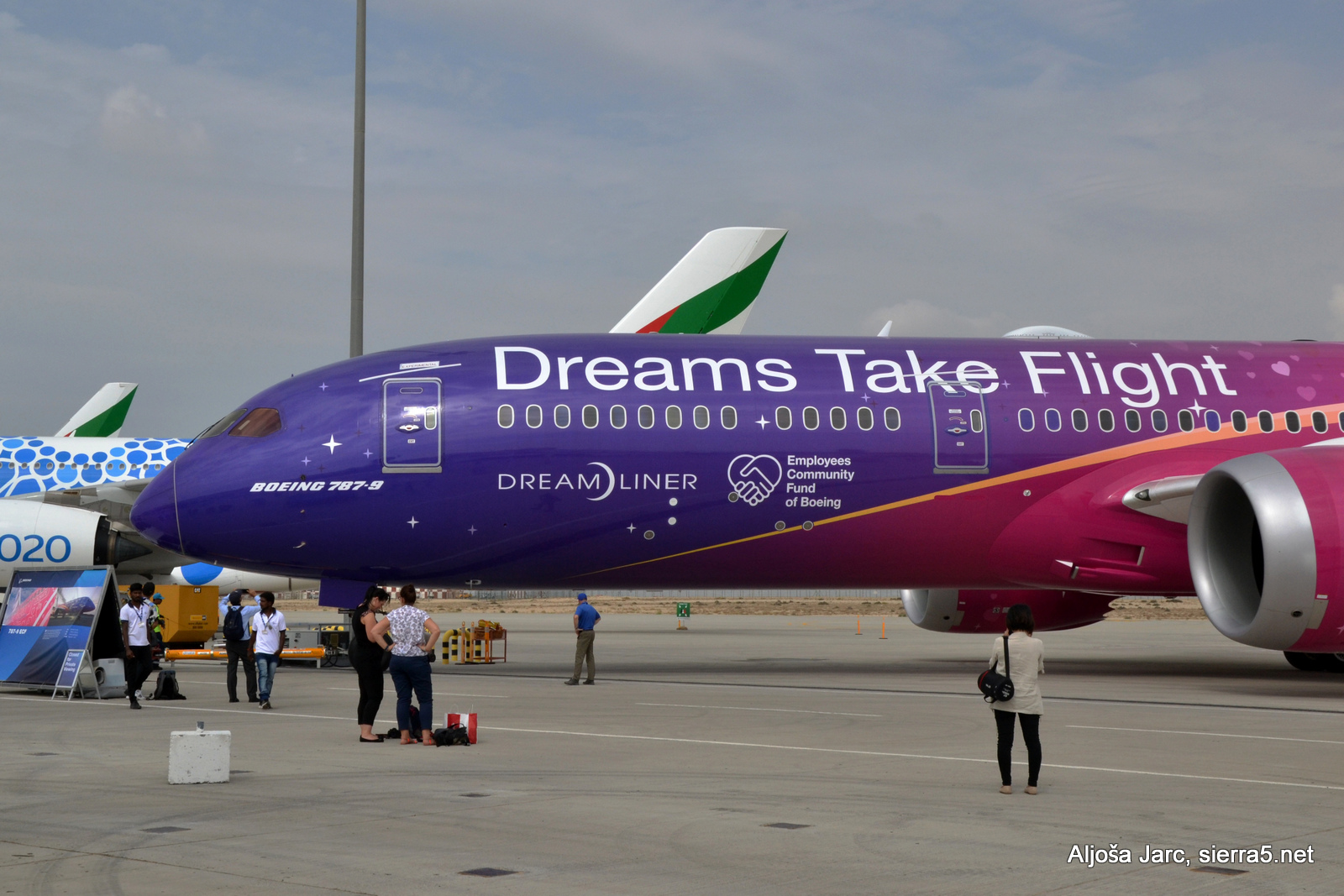 B787 dreams take flight
