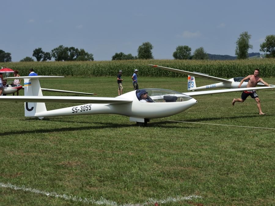 Zakon o letalstvu ali Zakon o zrakoplovstvu, to je zdaj vprašanje!