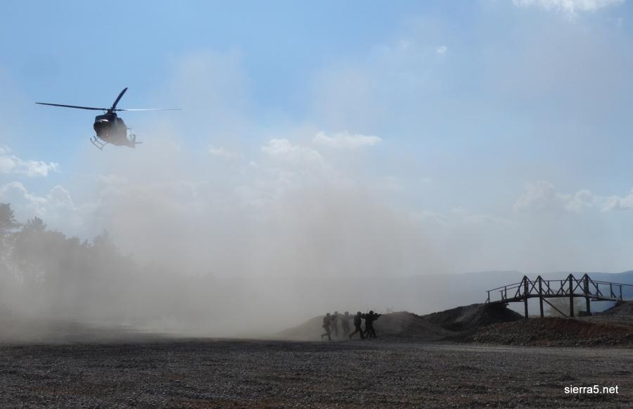 S helikopterjem in specialci nad 'teroriste'