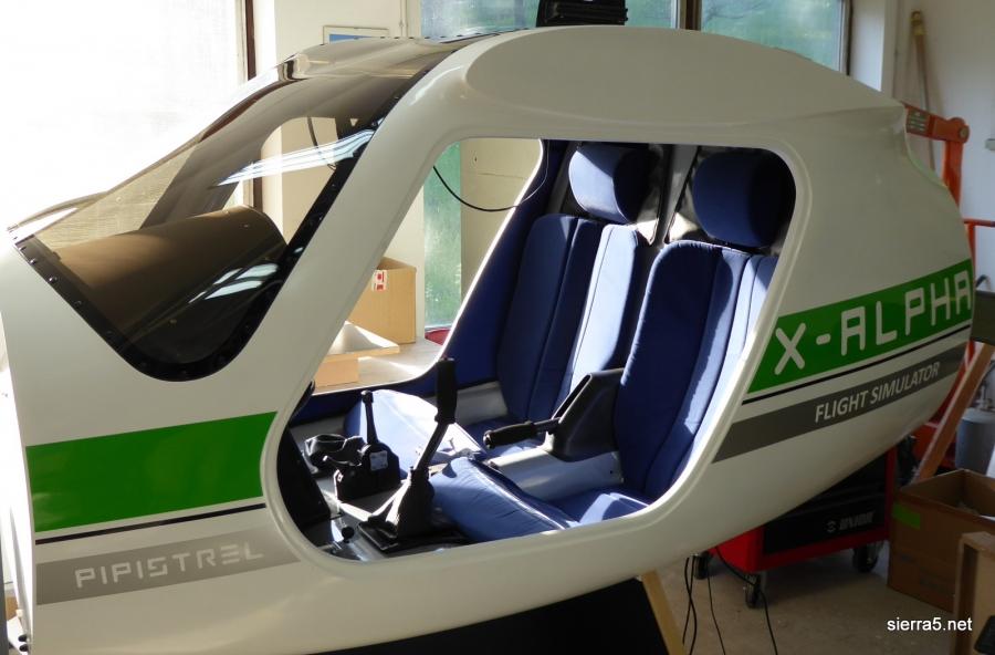 Zlato priznanje za simulator za osnovno šolanje pilotov z VR očali