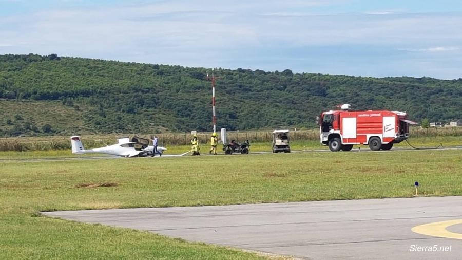 V Portorožu letalo pristalo na trupu