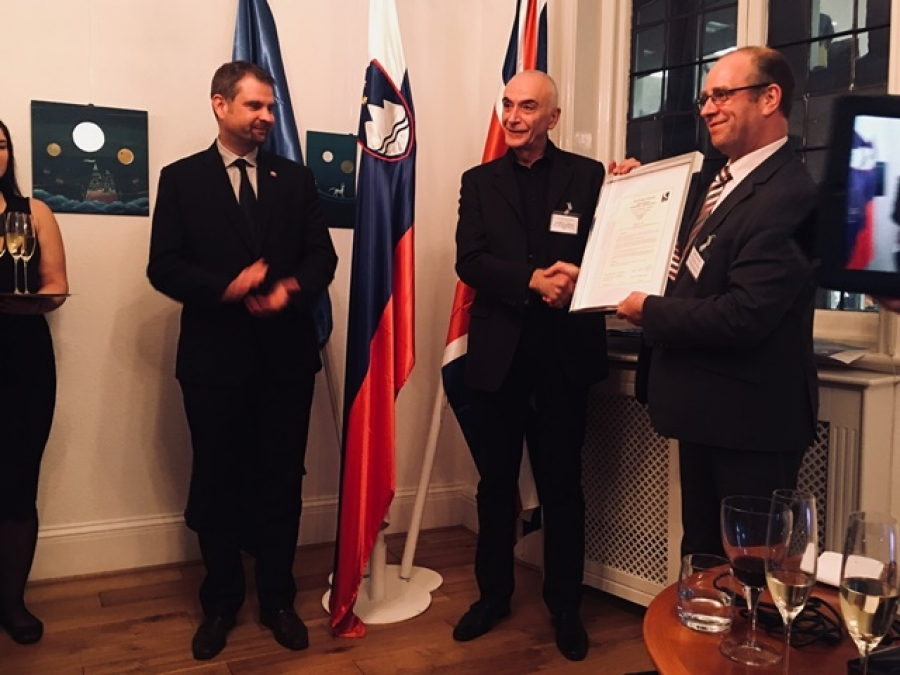 Britanska CAA Pipistrelu podelila certifikat A8-21
